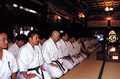 Medytacja w świątyni Mitsumine.<br>Od lewej kolejno sensei: Ryu Narushima, Masafumi Tagahara, Kiyofumi Abe